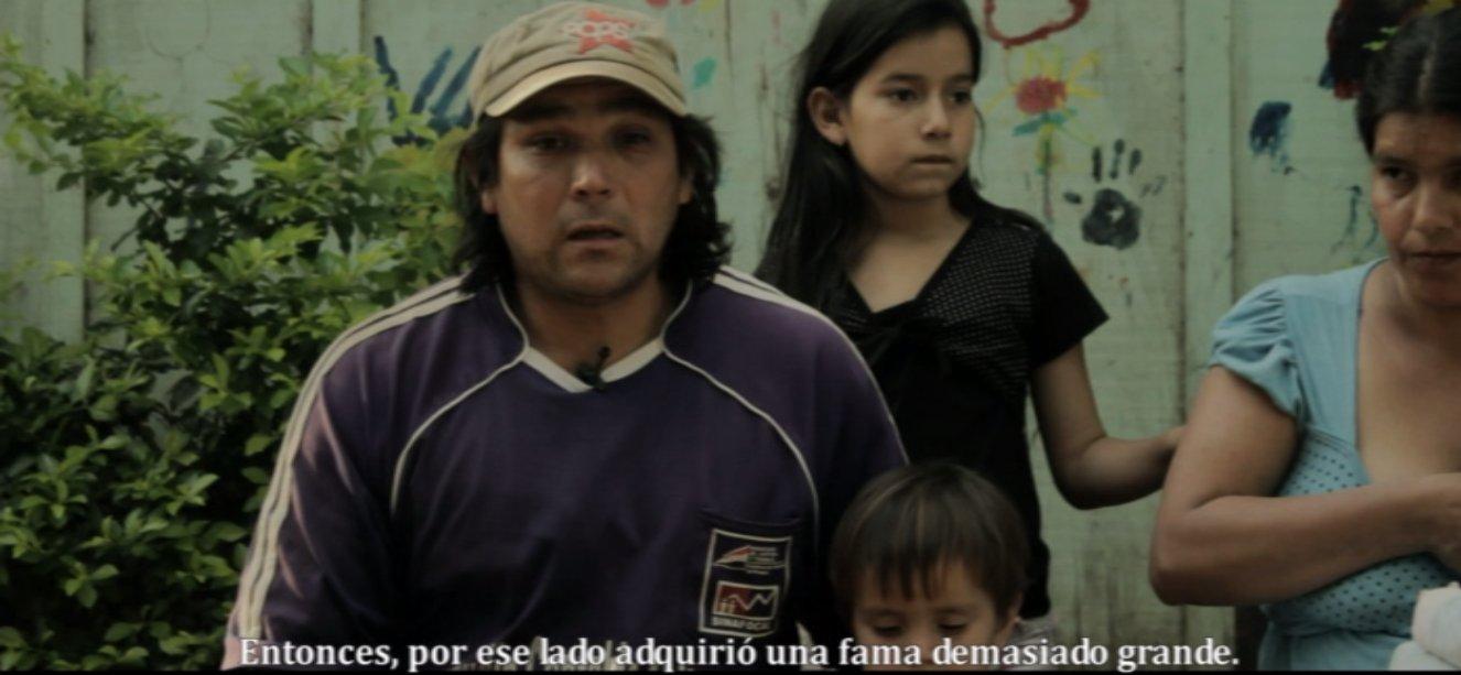 Imágenes del documental que mañana será exhibido. En esta escena aparece el dirigente Ramón Giménez junto con su familia.