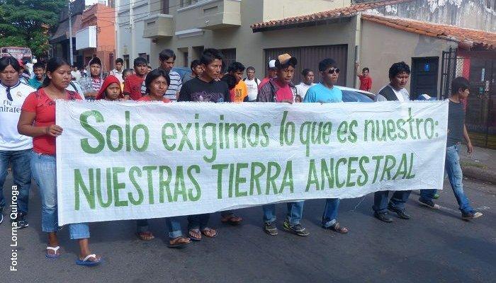 Una de las movilizaciones de la comunidad indígena. FOTO: Lorna Quiroga-Tierra Viva